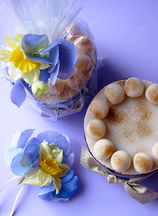 Marnie searchwell gluten free cakes easter simnel cakes and gifts the perfect glutenfree gift for easter a zesty gluten free simnel cake negle