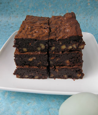 Glutenfree Ultimate Brownies: made with organic, gluten free, dairy free ingredients: Fairtrade dark chocolate, free range duck eggs, extra-virgin olive oil, ground flax seeds and hemp flour, walnuts and Madagascar vanilla extract